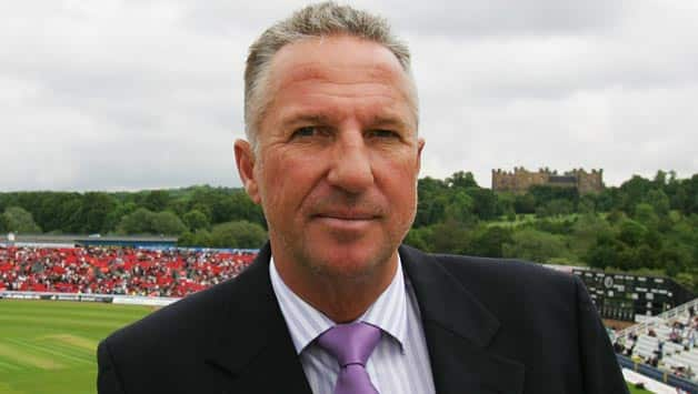 Ian Botham blasted England for ' playing like cowards' down under © Getty Images