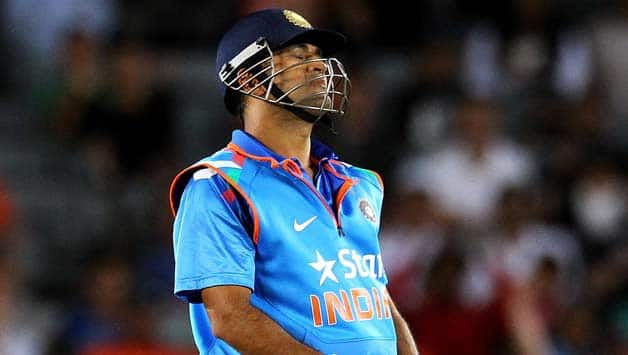 Dhoni is upset at his bowlers after India's recent run of defeats © Getty Images