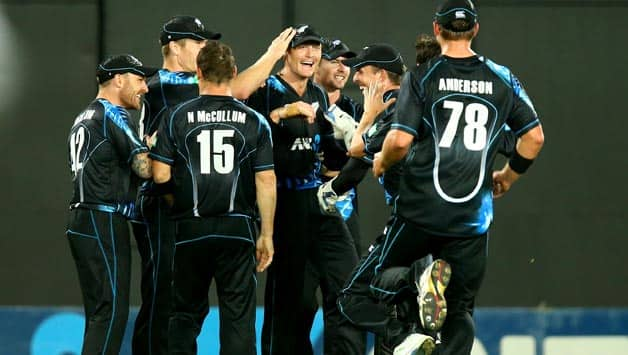New Zealand bowling lead by Nathan McCullum restricted West Indies to 120 © Getty Images