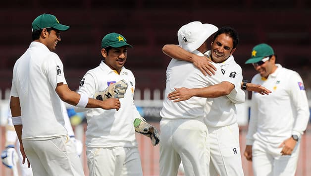 Pakistan's bowling is still their strength, and therefore they should now get a head coach whose first ability is with the bat © AFP