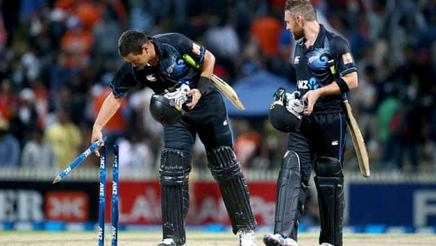 Ross Taylor (left) scored an unbeaten century to help New Zealand beat India in the fourth ODI at Hamilton © Getty Images