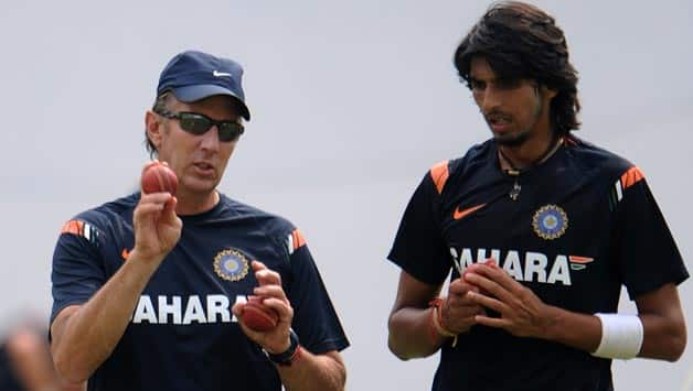 Eric Simmons (left) was the former bowling coach of the Indian team ©