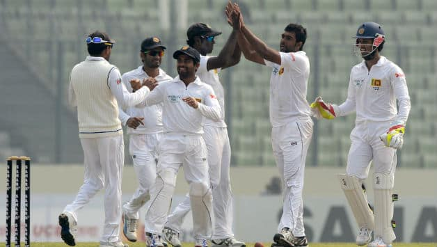 Sri Lankan players celebrate the fall of a wicket © AFP (File Photo)