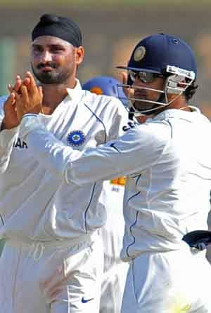 Harbhajan Singh (left) and Gautam Gambhir are trying to make a comeback into the Indian team © AFP