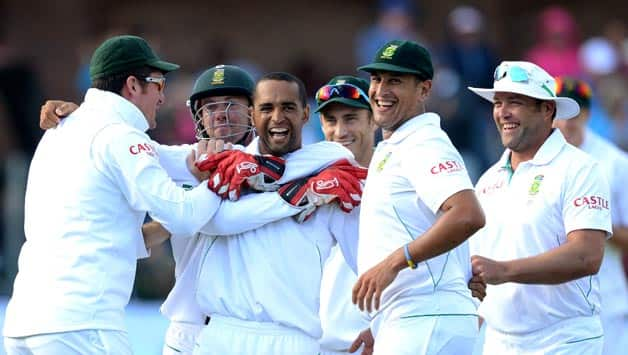 (SOUTH-AFRICA-OUT)-Robin-Peterson-of-South-Africa-celebrates-a-wicket-during-day-2-of-the-2nd-Test-match