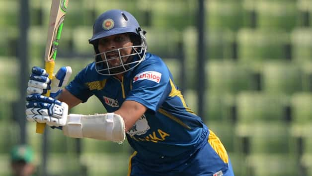 Tillakaratne Dilshan picked up a finger injuryduring the ongoing series against Bangladesh ©  AFP