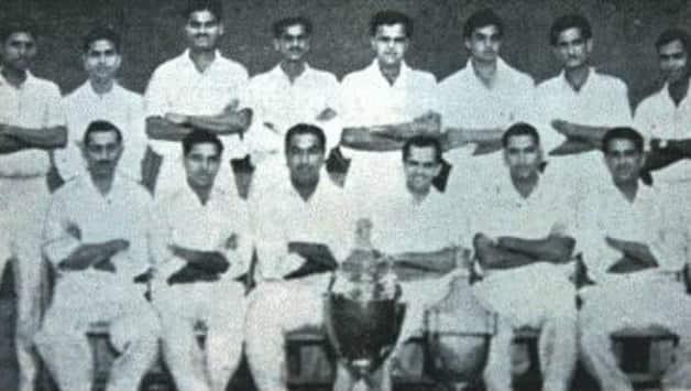 Baloo Gupte with the 1961-62 Ranji Trophy team. Sitting (from left): HD Amroliwala, Naren Tamhane, Gulabrai Ramchand, Madhav Apte (captain), Manohar Hardikar and Baloo Gupte. Standing (from left): Padmakar Shivalkar, Vasu Paranjpe, Sharad Diwadkar, KN Pai, Arvind Apte, AP Varde, Ajit Wadekar and Sudhakar Adhikari.