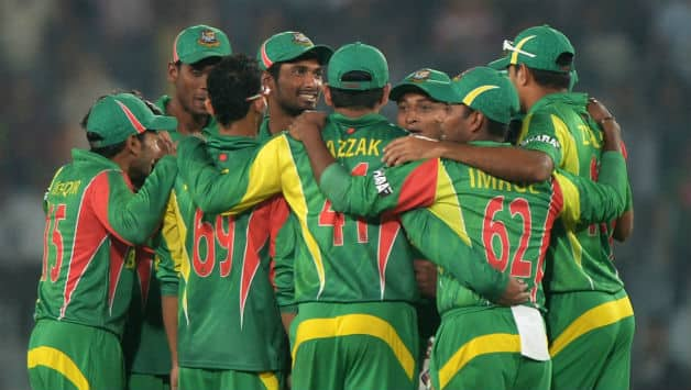 Bangladesh bowlers have failed to backup the batsmen © AFP