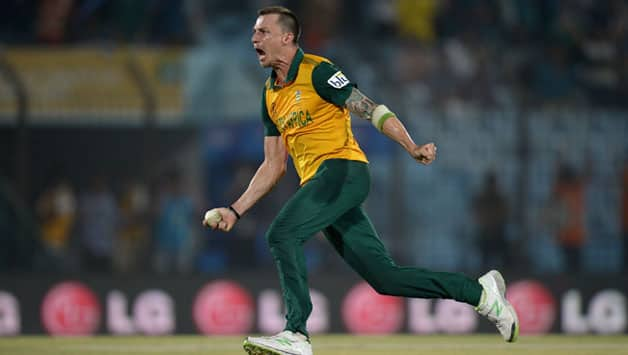 Dale Steyn took four wickets for 17 runs against New Zealand in the ICC World T20 2014 © Getty Images