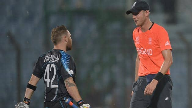 Brendon McCullum (left) and Stuart Broad have a chat as lightening hit the ares surrounding the stadium © Getty Images
