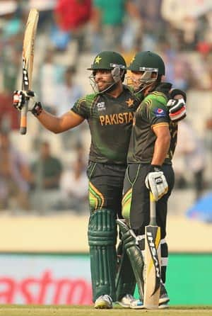 Umar Akmal (left) and brother Kamran shared 95 runs for the third wicket in just 51 deliveries © Getty Images