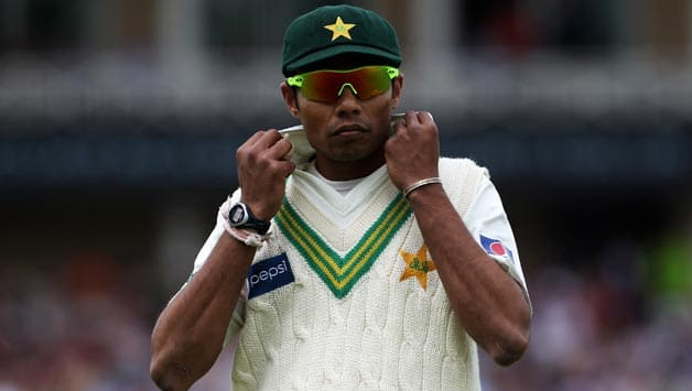 Danish-Kaneria-of-Pakistan-adjusts-his-collar-during-day-three-of-the-npower-1st-Test-Match-between-England-and-Pakis