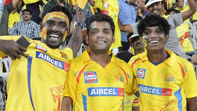 Fans-during-the-match-between-Pune-Warriors-India-and-Chennai-Super-Kings--3