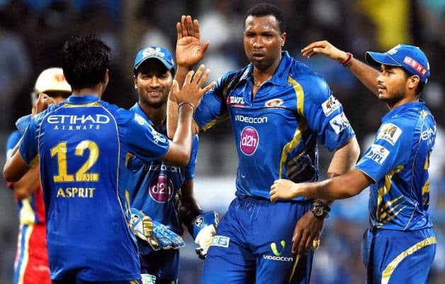 Mumbai Indians' victory was marred by an ugly spat between Kieron Pollard and Mitchell Starc © PTI