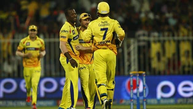 Chennai-Super-Kings-celebrate-fall-of-a-wicket-during-the-17th-match-of-IPL-2014-between-Sunrisers-Hyderabad-and-Chennai-Sup