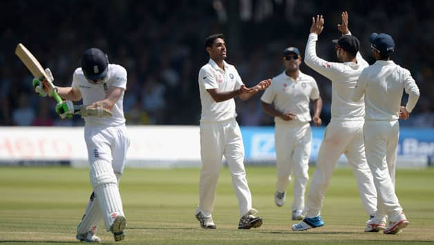 England in trouble at Tea © Getty Images