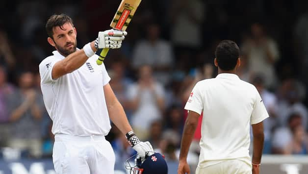 Liam Plunkett's half century helped England take the lead © Getty Images