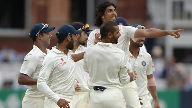 With Ishant Sharma hitting the right notes, India looks to be in the driver's seat © Getty Images