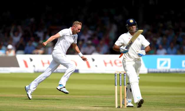 Stuart Broad put India severely under the pump with the wicket of MS Dhoni © Getty Images