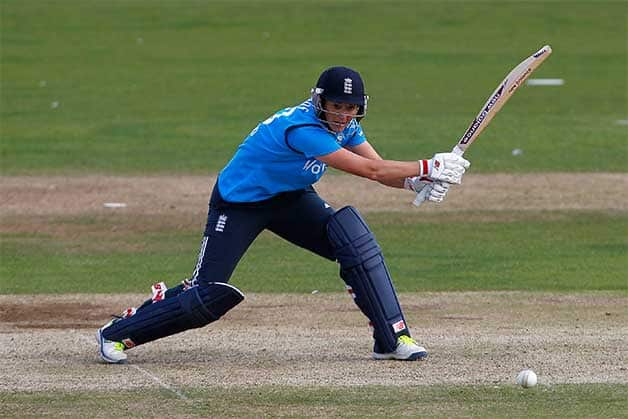 Charlotte Edwards top scored with ©Getty Images