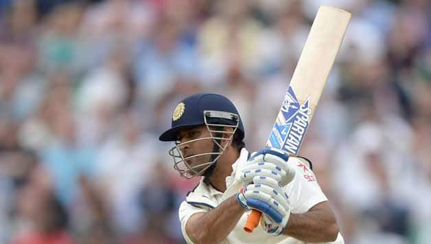MS Dhoni played a sparkling 82 © Getty Images