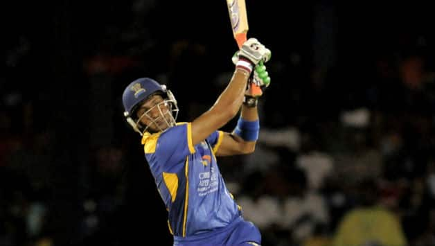 Shoaib Malik's fighting innings for the Tridents went in vain © Getty Images