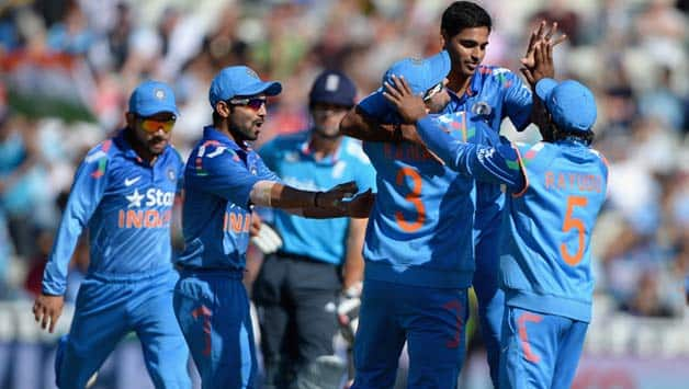 Indian team celebrate a dismissal in the fourth ODI © Getty Images
