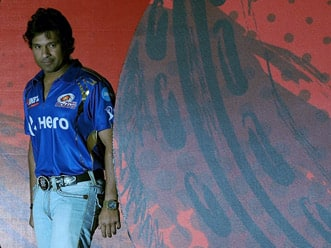 IPL 2012: Sachin Tendulkar fit to play, says Robin Singh