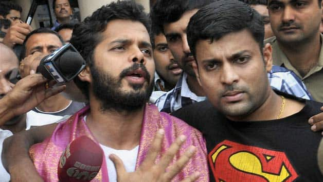 IPL 2013 spot-fixing scandal: Delhi Court issues notice to S Sreesanth and Ankeet Chavan over bail cancellation