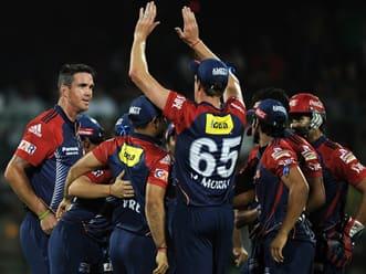 Live Cricket Score IPL 2012: Delhi Daredevils vs Chennai Super Kings- Delhi need 111 to win