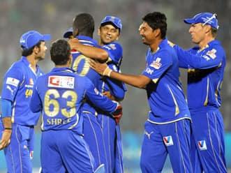 Live Cricket Score IPL 2012: Rajasthan Royals vs Kolkata Knight Riders T20 match in Jaipur – RR set a target of 165 runs