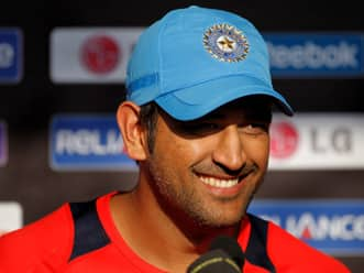 MS Dhoni backs Yuvraj Singh to find form in Test cricket