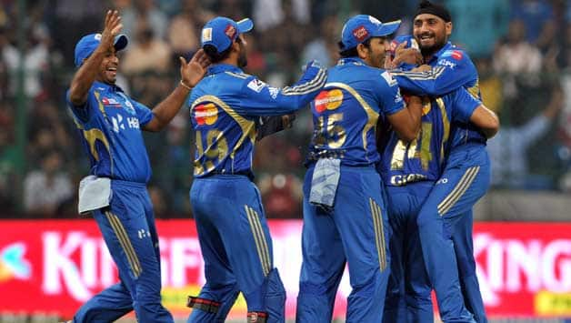 Mumbai Indians players gift autographed bats to Air India passengers