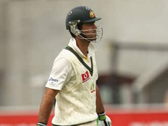 Border believes Ponting or Hussey may be dropped for India series
