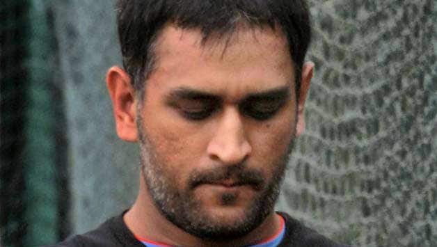 MS Dhoni should give up Test captaincy: Mohammad Azharuddin