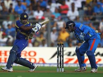 Jayawardene classic sees Sri Lanka to 274