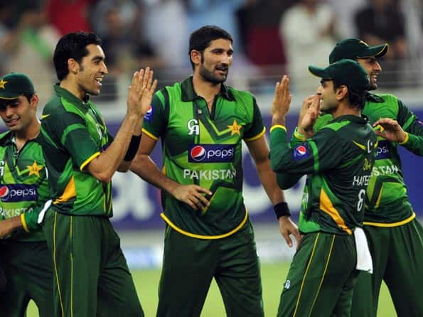 Live Cricket Score: India vs Pakistan, ICC T20 World Cup 2012 warm-up tie in Colombo