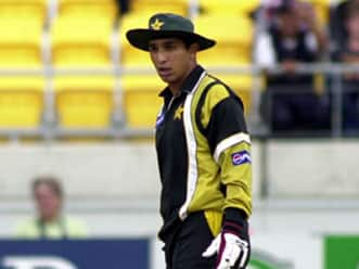 Pakistan all-rounder Azhar Mahmood to go under the hammer in IPL 5 auction