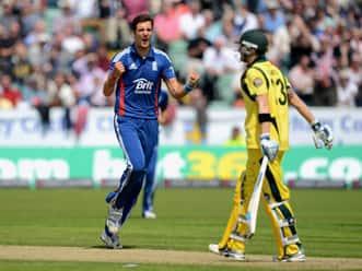Steve Finn rattles top order as England restrict Australia to paltry score