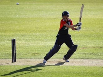 ICC Women's T20 World Cup 2012: England thump New Zealand to reach final