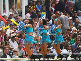 'Emraan Hashmi of the Match' award for fans ogling cheerleaders in IPL 5!