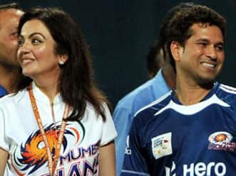 Ambani's party for Sachin Tendulkar adorned by Bollywood celebs