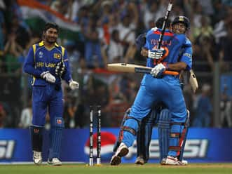 Dhoni was a bomb about to explode before final: Yuvraj