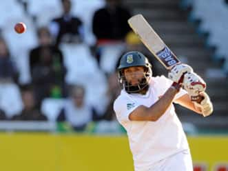 Amla, Smith ton secure unlikely win for South Africa