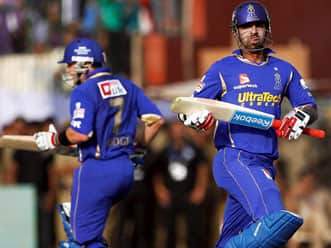 Brad Hodge, Ashok Menaria guide Rajasthan Royals to 164 against Kolkata Knight Riders