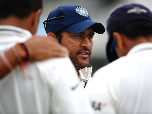 Mahendra Singh Dhoni is still the right man to lead India in Tests