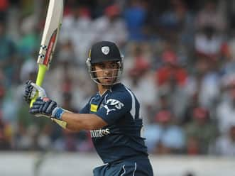 Deccan Chargers limp to 132 for seven against RCB in IPL 2012 tie