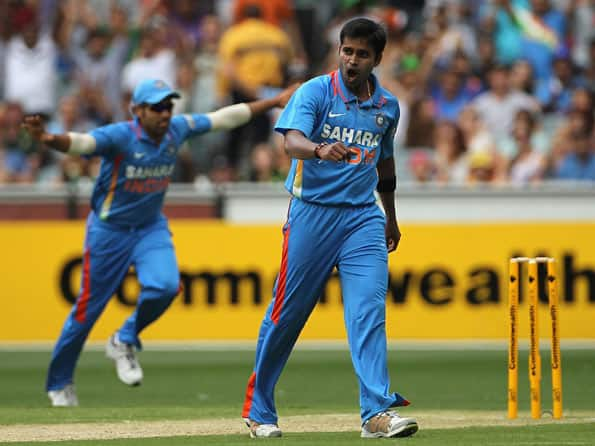 Live Cricket Score India vs Australia, 4th ODI match at Adelaide: Australia reach 118 for 3 at halfway