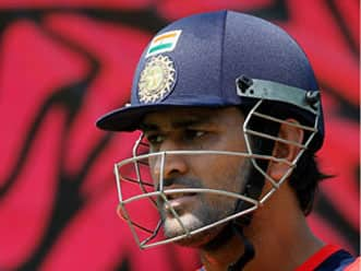 No food provided in hotel, says Dhoni