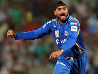 Harbhajan's captaincy and bowling hampering Mumbai Indians in a big way